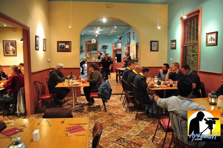 Happy diners at Jennacubbine Tavern, Goomalling