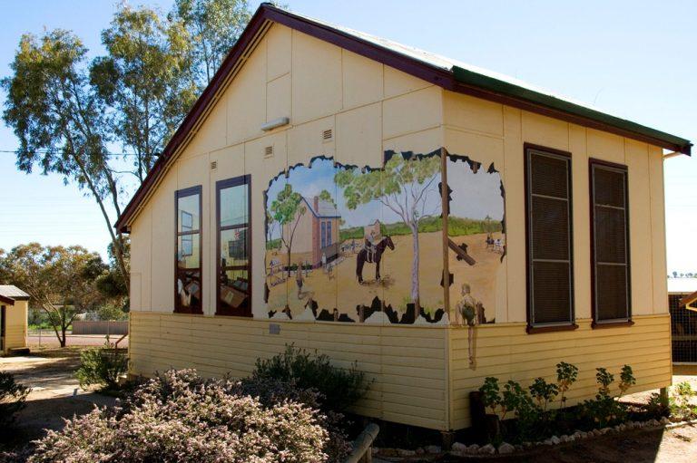 The old Konnongorring school house